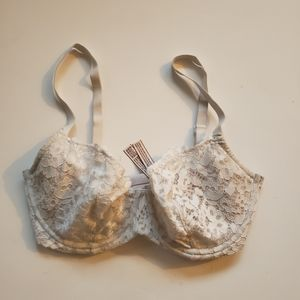 Victorias Secret Body by Victoria Unlined Demi Bra